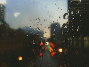 blur-city-drops-of-water-871-733x550